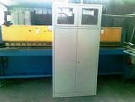Szafa biurowa przeszklona, 2 drzwi, 3 półki przestawiane (wymiary: 1800x900x460 mm) 77157080